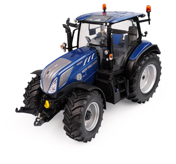 Universal Hobbies  6223 New Holland T5.140 Blue Power Low Roof 1/32